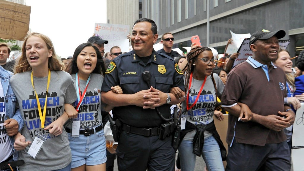 Houston police chief unfazed by political fight