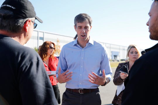Democratic presidential candidate Beto O'Rourke talks to UAW members in West Chester, Ohio on September 24, 2019.