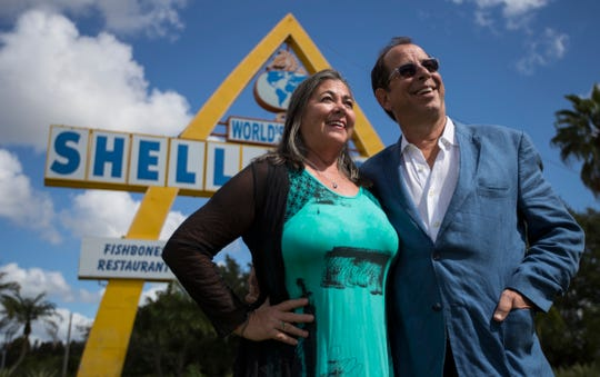 ​ Former Florida Rep artistic director Bob Cacioppo and his wife, actor Carrie Lund, are opening a brand new theater Dec. 6 at The Shell Factory in North Fort Myers.  ​