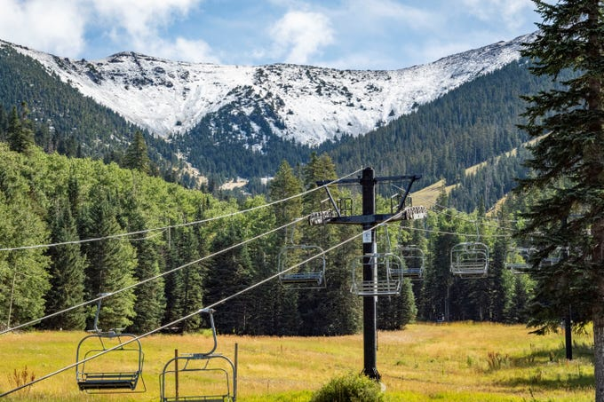 "Snow on the upper mountain at Arizona Snowbowl on Sept. 24, 2019. <strong>Snow in September in Flagstaff?</strong> <a href=""https://www.azcentral.com/story/news/local/arizona-weather/2019/09/25/arizona-snowbowl-ski-area-flagstaff-first-snow-winter-2019/2432005001/"" target=""_blank"">How unusual is that?</a>&nbsp;"
