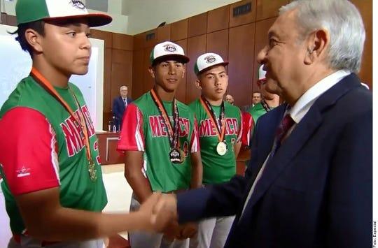 El Jefe del Ejecutivo felicitó a los jugadores, los llamó a actuar con disciplina.