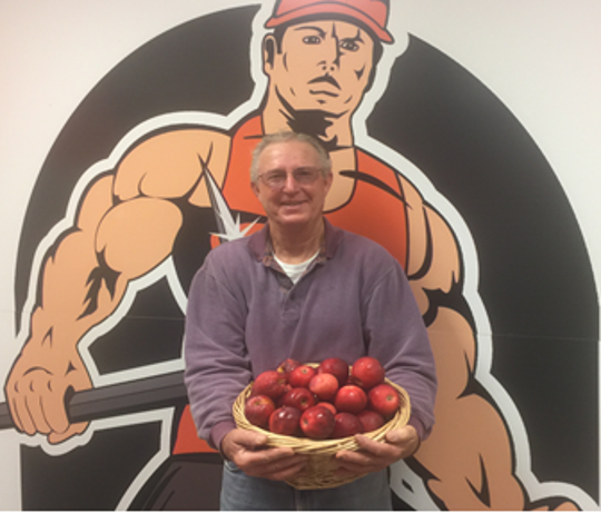 Dave Hoversten of Hoversten Orchard is supplying the Dell Rapids School District with fresh apples this fall.