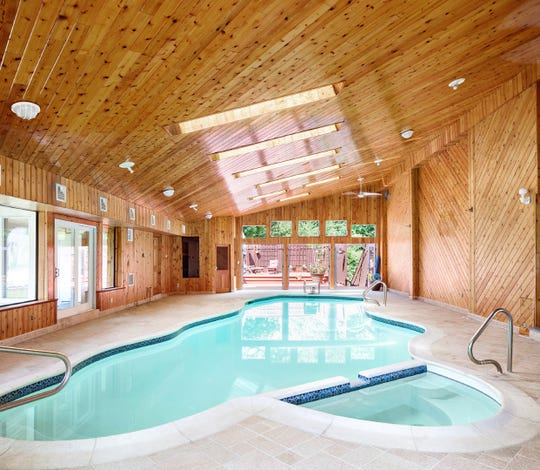 Pool house at 2 El Retiro Lane, Irvington
