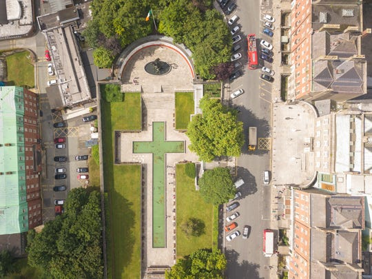 Garden of Remembrance honors the victims of the 1919 Easter Rising. It marks the spot where the rebel leaders were held before being transferred to prison for their execution.
