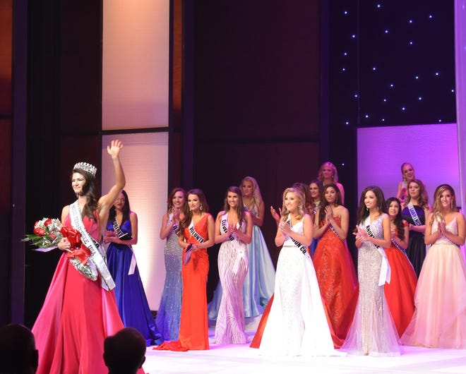 Savana Hodge is crowned Miss Tennessee USA 2019 at Austin Peay State University in Clarksville, Tenn. in October 2018.