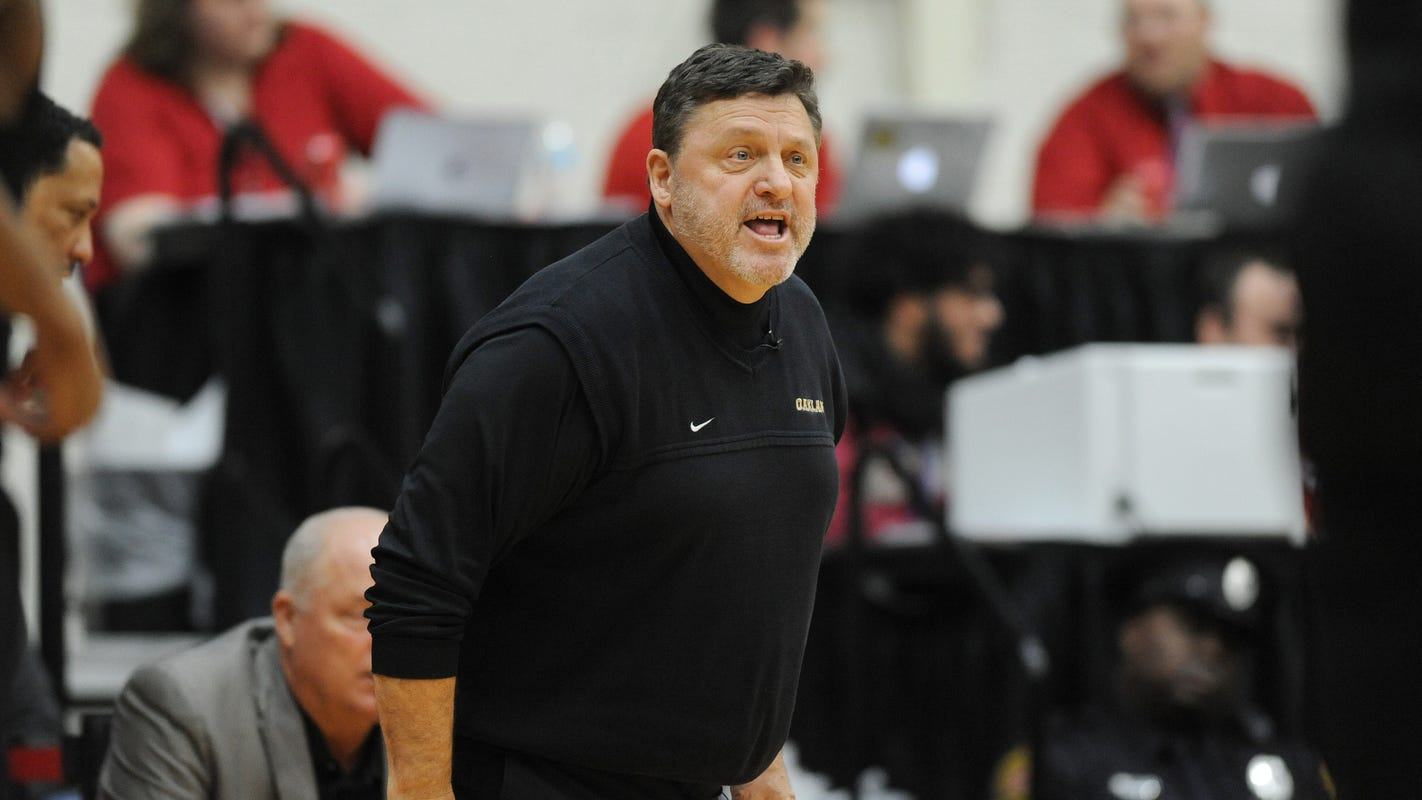 Oakland hoops coach Greg Kampe, entering Year 36, receives three-year extension