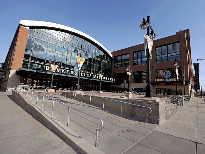 Two of college basketball's top teams entering the 2020-21 season, Gonzaga and Baylor, will stage this year's marquee non-conference tilt Dec. 5 at 1 p.m. ET at Bankers Life Fieldhouse