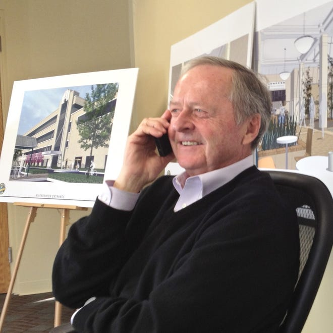 A plaque commemorating Schlitz Park developer Gary Grunau, who died in 2019, is coming to the downtown Milwaukee business park.