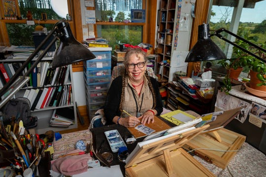 "Graphic novelist and creativity educator Lynda Barry of Madison is one of this year's winners of the prestigious MacArthur Foundation fellowship, commonly known as a ""genius"" grant."