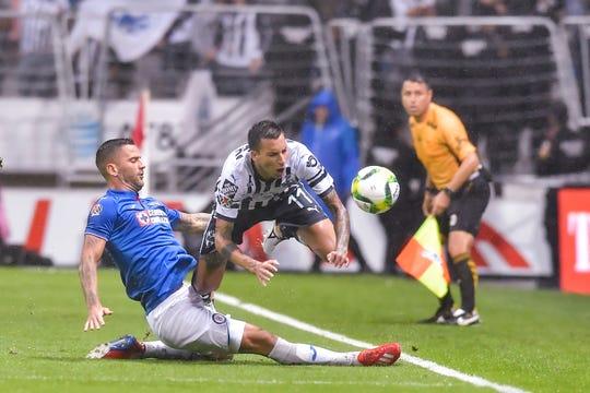 Cruz Azul y Monterrey chocan hoy miércoles en partido de mitad de semana.