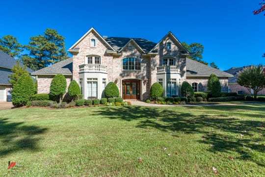 2965 North Pointe Drive offers the perfect Louisiana life.