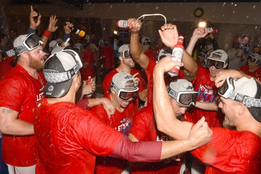 September 24: The Washington Nationals celebrate the conquest of a wildcard spot after sweeping a double header from the Phillies and Cubs lost by the Pirates.