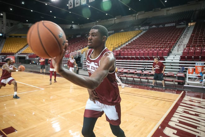 Rashaun Agee runs drills at NMSU men's basketball first practice of the season at the Pan American Center in Las Cruces on Thursday, Sept. 26, 2019.