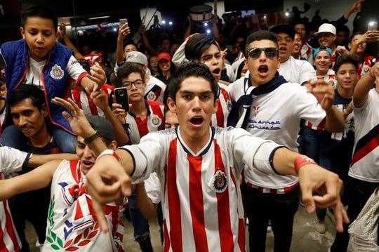 La fanaticada de futbol mexicana deberá pensarla 2 veces antes de lanzar su grito de batalla, al momento que despeja el balón el arquero contrario.