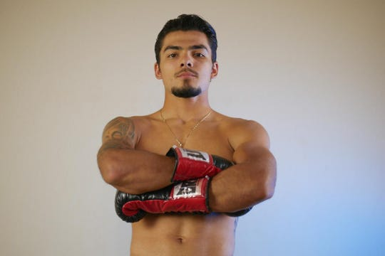 Everett Alvarez alum Justin Cardona takes to the ring this weekend in Los Angeles.