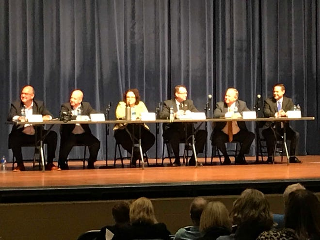 Urbandale City Council candidates speak at a forum at Urbandale High School on Sept 26, 2019.
