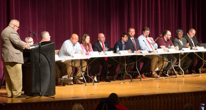 City council candidates address the crowd gathered during the council candidate forum on Sept. 27 at Central High School.