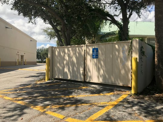 The dumpster behind the Walgreen's at 1705 U.S. 1 in Vero Beach where police said a man was found strangling his unconscious girlfriend Sept. 25, 2019.
