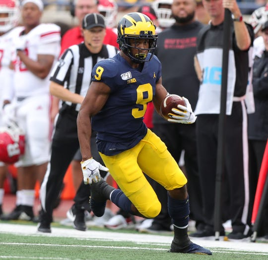 Michigan wide receiver Donovan Peoples-Jones makes a catch during the second half of U-M's 52-0 win on Saturday, Sept. 28, 2019, at Michigan Stadium.