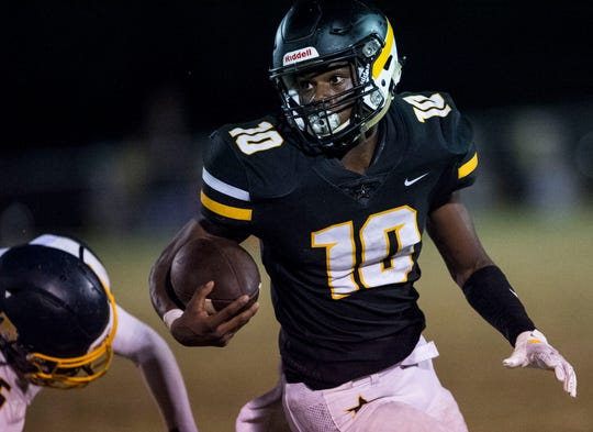 Autauga's  Tyreshon Freeman (10) runs the ball at Autauga Academy in Prattville, Ala., on Friday, Sept. 27, 2019. Autauga Academy defeated Tuscaloosa Academy 40-16.