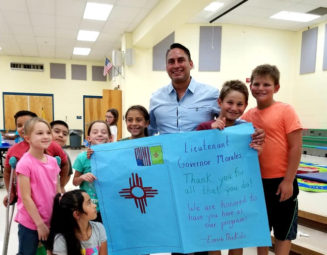 """New Mexico Lt. Gov. Howie Morales visits a top-rated after-school program, """"Enrich the Kids,"""" at Hillrise Elementary in Las Cruces."""