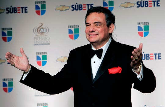 In this Feb. 21, 2008 file photo, Mexican singer Jose Jose poses for photographers backstage at the Premio Lo Nuestro Latin Music Awards in Miami. Local media outlets report that the Mexican crooner died Saturday, Sept. 28, 2019 from pancreatic cancer. He was 71.