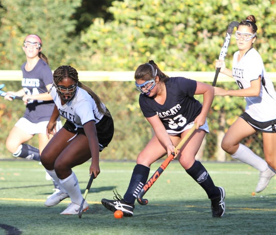 Rye Country Day's Elizabeth Friedberg (r) tries to get past Hackley defender Ameera Shaban (l) Sept. 27, 2019.