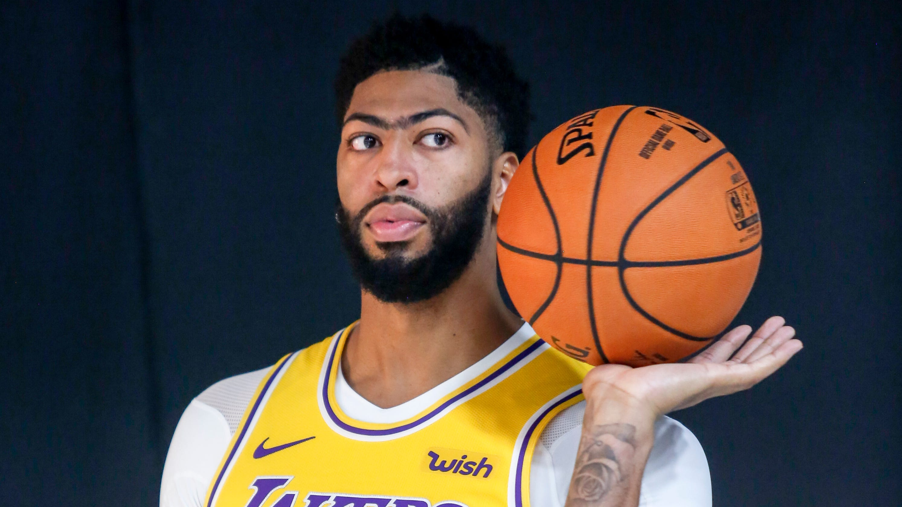 Anthony Davis non-committal on long-term plans with LA Lakers