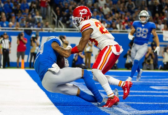 Kenny Golladay catches a touchdown against the Chiefs in the third quarter. The play was overturned to an incompletion.