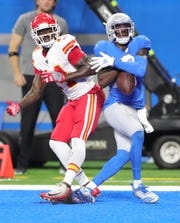 Detroit Lions cornerback Justin Coleman just misses an interception covering Kansas City Chiefs receiver Sammy Watkins during the fourth quarter Sunday, Sept. 29, 2019 at Ford Field.