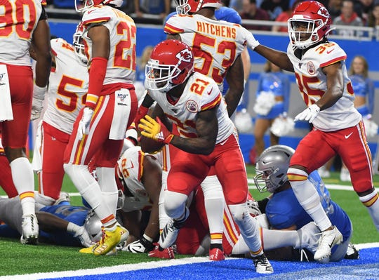 Bashaud Breeland picks up a Kerryon Johnson fumble near the goal line and returns it for a Chiefs TD.