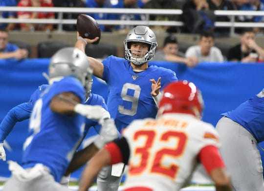 Lions' Matthew Stafford throws in the second quarter.