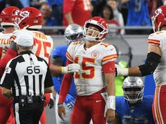 Friday's NFL: Chiefs QB Patrick Mahomes, reigning MVP, out at least a month