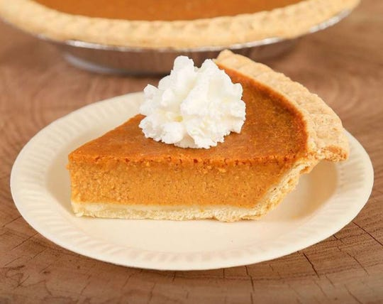 The restaurant chain announced the return of the seasonal favorite pumpkin pie on social media on Monday.