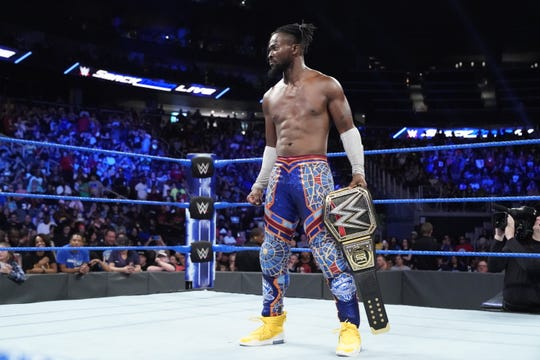 "WWE Heavyweight Champion Kofi Kingston will defend his title against Brock Lesnar when ""Smackdown"" premeires Friday night on Fox."