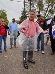 """UAW Region 1A Director Chuck Browning told picketers outside GM's powertrain plant in Romulus on Sunday that negotiators are trying to """"take care of the temps."""""""