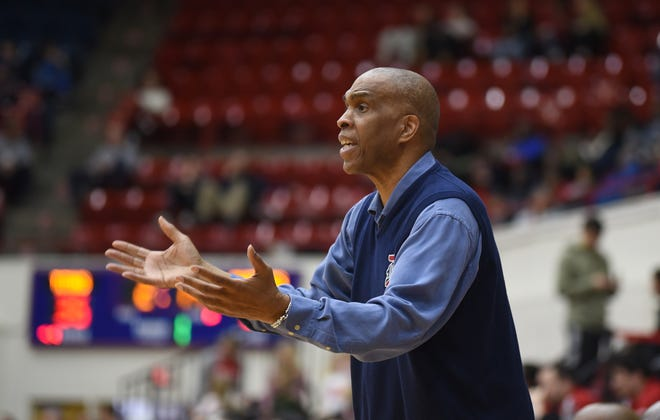 Detroit Mercy head basketball coach Mike Davis will have seven newcomers on the 2019-20 team.