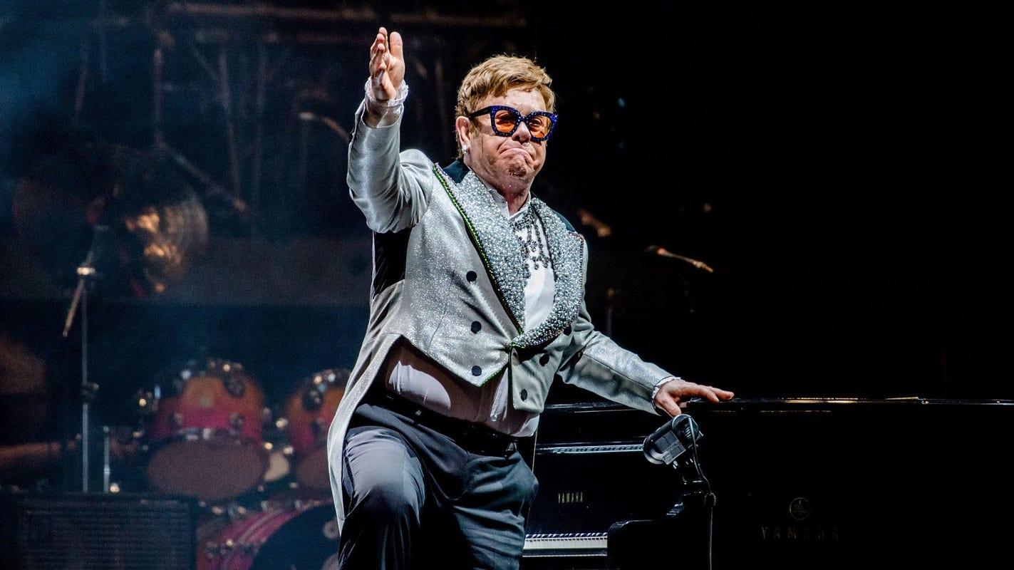 Elton John reschedules his Indianapolis show for 2022