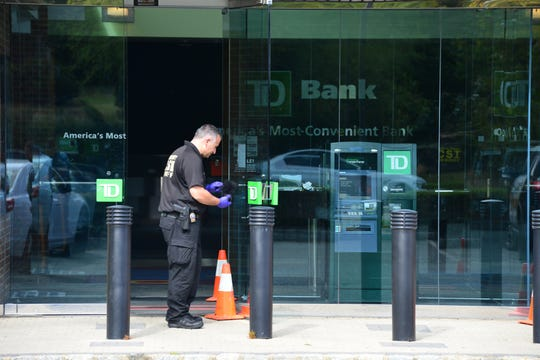 Wayne and Passaic County Sheriff Department investigate a possible robbery at the TD Bank on Valley Rd in Wayne, N.J. Monday Sept. 30, 2019.