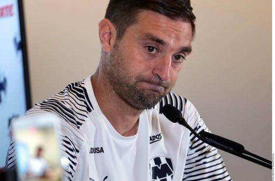 Por los malos resultados, al uruguayo Diego Alonso le dieron las gracias en Monterrey.