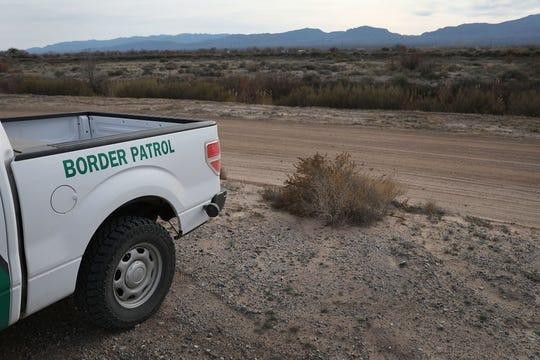 Una camioneta de la Patrulla Fronteriza vigila el Valle de Texas.