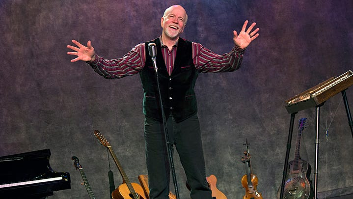 Grammy-nominated musician brings unique folk sound to St. Cloud