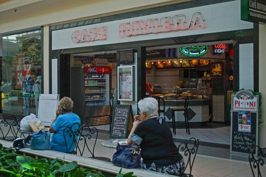 Cafe Riviera Italian Pizzeria & Restaurant is one of the eateries located inside the Concord Mall.