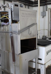 This industrial kitchen dishwasher is one of the tools that helps the calf team efficiently feed about 100 calves with bottles three times a day. This makes cleaning the bottles a much easier process.