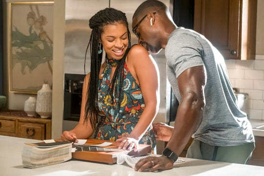 "Susan Kelechi Watson as Beth and Sterling K. Brown as Randall in ""This Is Us."""
