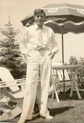 Walter j. Kellett
