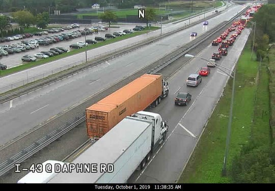 This traffic camera image shows traffic backing up on I-43 northbound near Good Hope Road.
