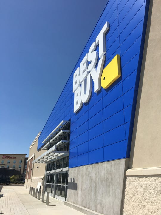 Best Buy will close its East Boulevard store when it opens the new location in Eastchase Venue.