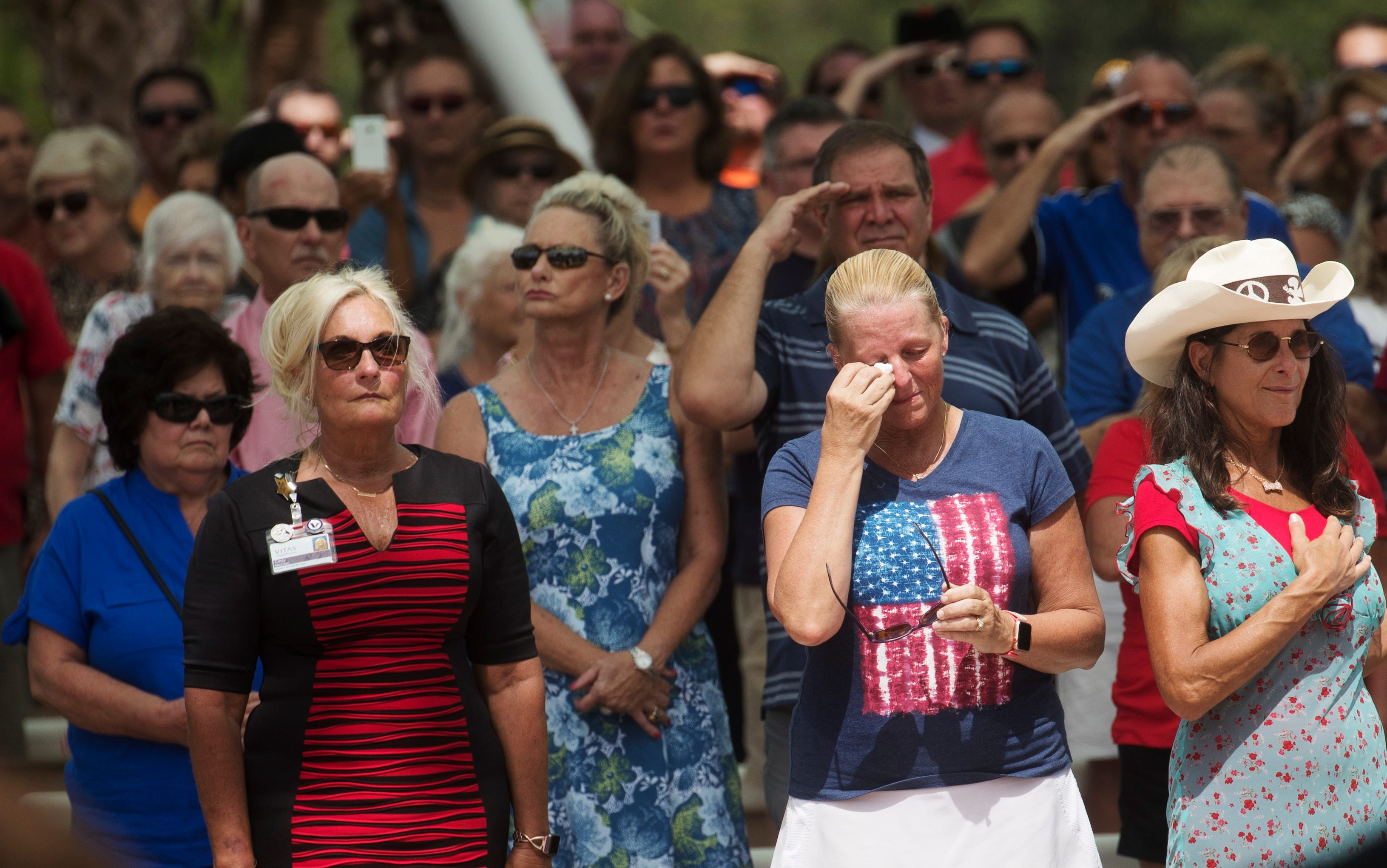 More than 1,000 strangers unite at funeral veteran with no known family