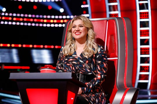 "Coach Kelly Clarkson on ""The Voice."""